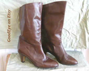 Vintage Chocolate Brown Leather Ankle Boots ITALY / size 8 m Eur 38 .5 / Slouch Low Heel Stovepipe  / LORD and TAYLOR 1990s
