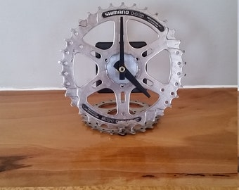 unpainted gear desk clock