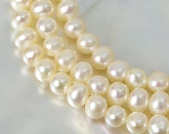 12.40 g FRESHWATER PEARLS 15.9 inch Strand Lustrous Cream White Nugget China