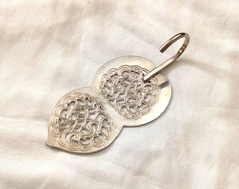 Vintage Raimond Silverplated Cake Server Dessert Slice Lifter Filigree Design with Short Handle