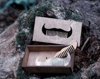 Comb for a moustache
