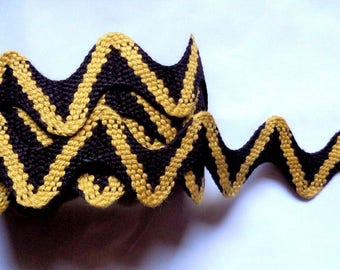 Two Tone Cotton Ric Rac, Ant Gold - Black 1+1/8 inch wide price for 1 yard