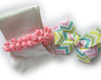 Kathy's Beaded Socks - Pastel Chevron Socks and Hairbow, girls white socks, aqua socks, chevron socks, pink socks, yellow socks, green socks