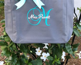 Personalized Bridal Tote Bag, Bridesmaid Tote Bag, Maid of Honor Tote Bag, Monogrammed Tote Bag