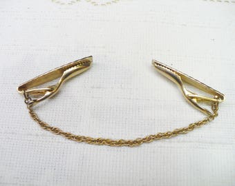 Vintage Gold Chain Sweater Clip - gold tone metal - formal vintage - vintage gift  - present - Formal event clip - vintage casual clip-gift