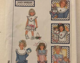 Simplicity 8594 - 1980s Daisy Kingdom Girl's Dress with Dropped Waist and Detachable Collar - Size 6 Breast 25
