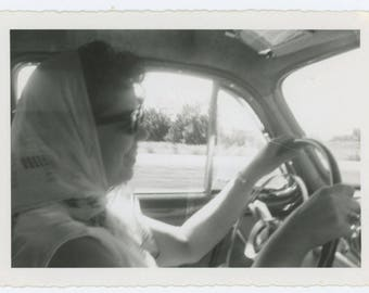 Vintage Snapshot Photo: Woman Driving, c1950s (610506)