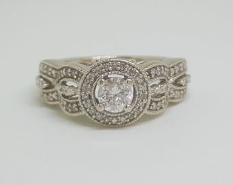 Gorgeous Vintage 10k Gold 0.50 Carat Diamond Halo Engagement / Wedding / Promise Ring Size 4
