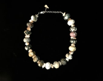 Serpentine Stone Necklace of Abundance!
