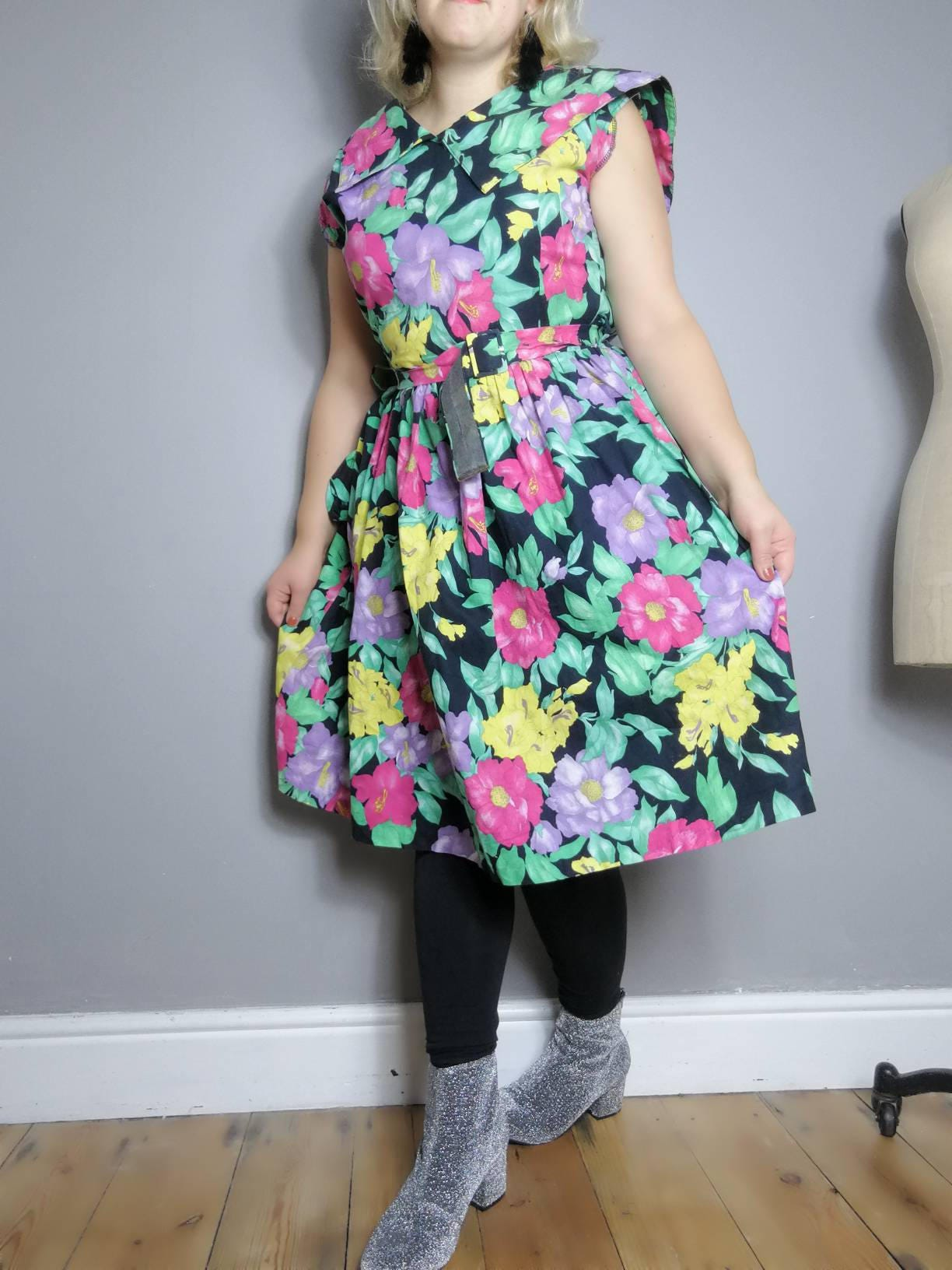 Contemporary Dressing For An 80s Party Composition - All Wedding ...
