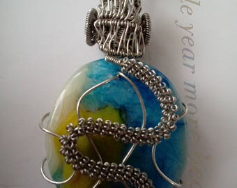 Agate stone wire wrapped pendant