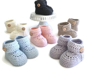 Short Button Cruff Baby Booties