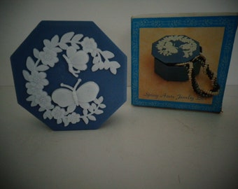 Vintage Butterfly Jewelry Box / Blue & White Butterfly Jewelry Box / Butterfly Trinket Box / Hong Kong / NOS