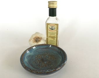 Garlic grater dish-light blue leaves-pottery condiment dish
