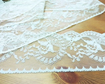 IVORY Lace Trim 5yds.~ 4 inch wide ~ ViNTaGE LaCE ~ made in U.S.A.
