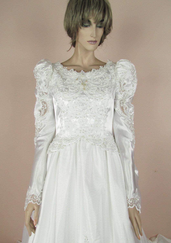 Weißes Hochzeitskleid der 80er Jahre Vintage Brautkleid aus