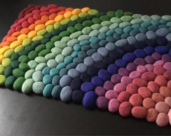 Felt stone rug / bath mat rainbow