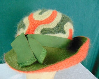 Vintage Woman's Hat  size (est.6 5/8) front to back  6 1/2in. side to side  7 1/4in. Brim  in. Crown 4 1/2in.