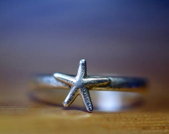 Tiny Sterling Silver Starfish Ring, Personalized Sea Star Charm Ring, Custom Engraved Ocean Animal Jewelry, Dainty Nautical Ring