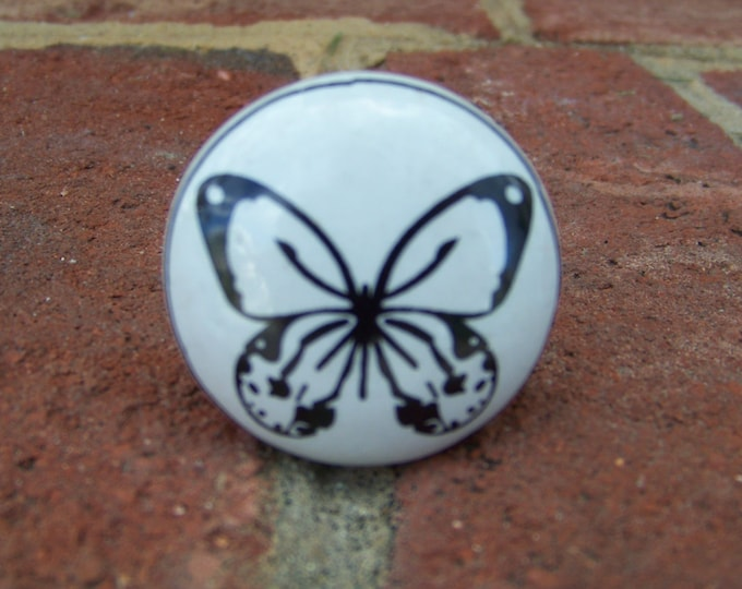 Butterfly on Round Ceramic Knob/Drawer Pull in Black and White