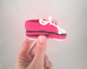 Baby tennis shoes *handmade in crochet*
