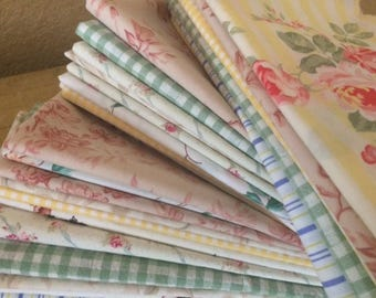 Mothers Day Spring Cloth Napkins, Shabby Chic, Farmhouse Chic, Cottage Chic, Set of 8, 20 inch, by CHOW with ME