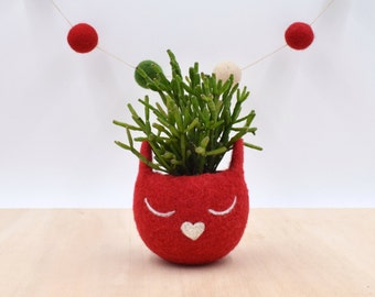 Valentine gift for her, Cat lady gift, Succulent planter, Felt planter,  Cat , Small succulent pot, cat lover gift, red cat vase