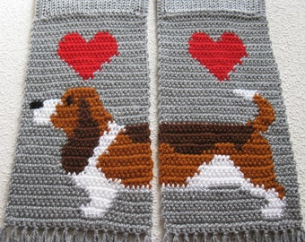 Basset Hound Scarf. Grey, knit and crochet scarf with tricolor Basset dogs. Crochet dog scarf. Basset hound gift