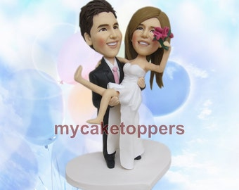Cute wedding cake topper, groom carrying bride, carrying, groom holding bride, holding, funny cake topper for wedding, for wedding, funny