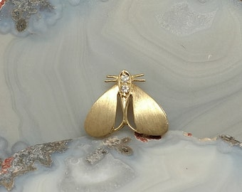 14k Fly Pendant with Diamonds
