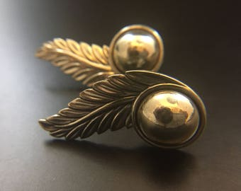 Vintage sterling silver feather screw back earrings