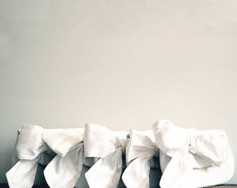 Ivory Wedding Clutch. Bridal Purse. Bridesmaids Clutch. Bridesmaids Gifts. Personalized Gift. Wedding Gift. Vintage Wedding. Ivory Clutch