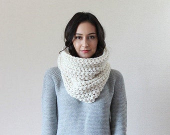 The Lille - FISHERMAN // Textured Ribbed Chunky Cowl Scarf Thermal, Neckwarmer, Snood