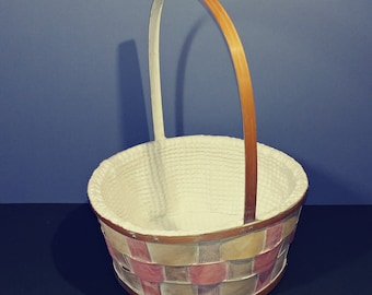 Fabric Lined Easter Egg Hunt Gift Basket White Wash Pastel Splint Natural Rattan Wicker Handcrafted with Handle Spring Gathering Decoration