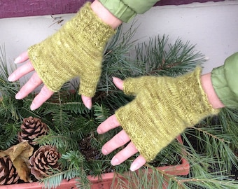Little Shell Fingerless Mitts Knitting Pattern (PDF Download)