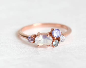 Moonstone Ring, Moonstone Engagement Ring, Mothers Ring, Mom Ring, Birthstone Ring, Cluster Engagement Ring, Multistone Ring, Minimalvs