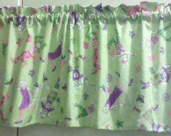 Window Curtain and Valance Fashion Friends Green