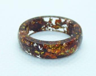 Red antique leaf resin ring