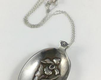 Minnesota Necklace, Minnesota Spoon Necklace, Spoon Jewelry, Lady Slipper Flower, Lady Slipper Necklace, Gardener Gift, Wife Gift