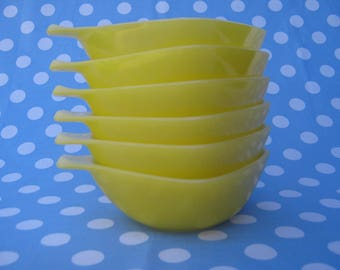 Vintage Agee Crown Pyrex Yellow Ramekins RS-12 Set of Six 1970's  #10308