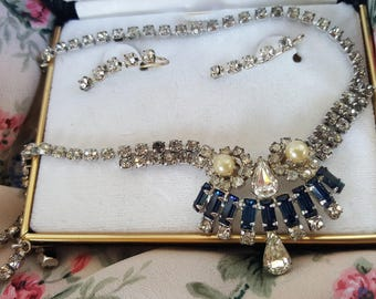 Vintage Rhinestone & pearl necklace with matching earrings- costume jewelry-wedding jewelry-designer jewery
