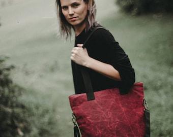 Tote Bag, Waxed canvas bag, Red bag, Raspberry bag, Cross body bag, Shoulder bag, Cotton bag, Shopping bag, Work bag, School bag, Gift