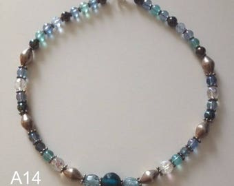 Gorgeous handmade necklace fun as a gift for birthday or mothers day made of glass beads coming from India 48cm