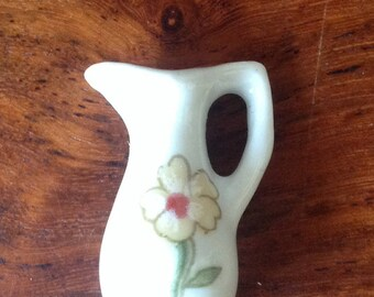 Miniature vase in porcelain, showcase, Doll House