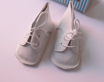 French vintage 70's / baby slippers / white leather / new old stock / size 0/3 months