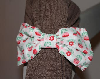 Ornated Barrette with a pretty bow, strawberries and flowers