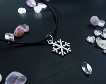 Silver Simple Snowflake Charm Choker Necklace