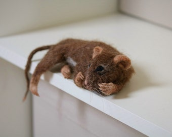 NOW SOLD...Needle felted mouse.....so shy !
