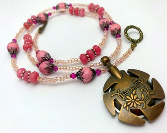 Pink Yarn Cutter Necklace | Gift for Knitters | Beaded Pendant Necklace for Knitters | Clover