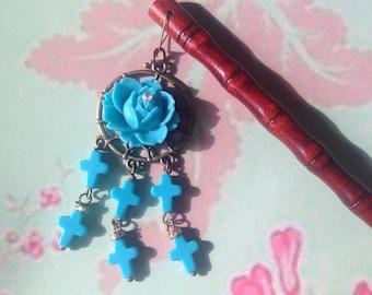 Blue rose hair pin